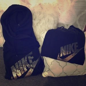 SET: Nike Cowl Neck Sweatshirt & Sweatpants